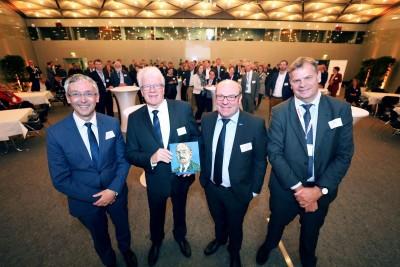 Dr.-Richard-Escales-Preis: Hanser Verlag und VDWF zeichnen Professor Andreas Gebhardt aus